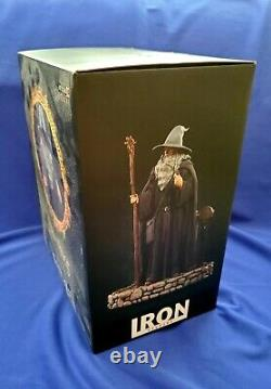 Iron Studios Lord of the Rings Gandalf Deluxe Art 1/10 Scale Statue Excellent