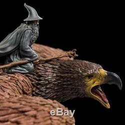LORD OF THE RINGS Gandalf on Gwaihir Statue Weta