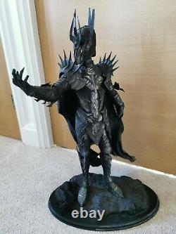 Lord of the Rings The Dark Lord Sauron Polystone Statue Sideshow Weta Broken