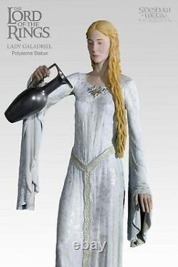 Lord of the ring Lady Galadriel Sideshow Statue. Hobbit