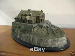 Lord of the rings Golden Hall Sideshow statue. NIB Hobbit