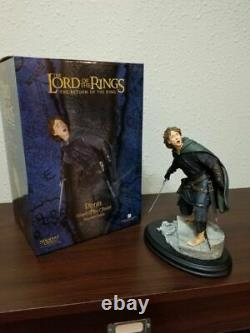 Lord of the rings Pippen Guard of the Citadel Sideshow statue. Hobbit