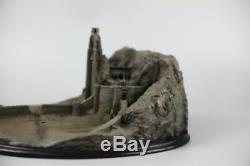 NEW Lord of the Rings Helm's Deep Full View Resin Statue Replica 11inch long