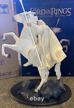 Sideshow Weta LOTR Lord of the Rings Gandalf on Shadowfax Statue