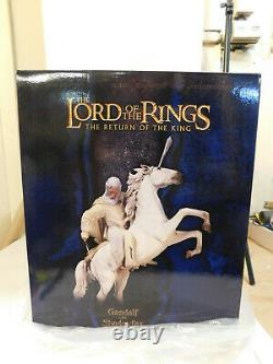 Sideshow Weta Lord Of The Rings Gandalf With Shadowfax Statue 1633/8500