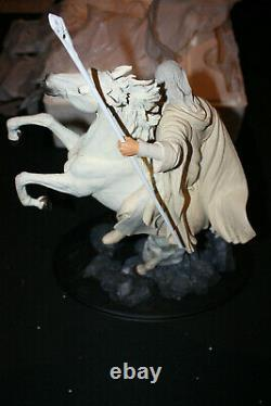 Sideshow Weta Lord Of The Rings Gandalf With Shadowfax Statue#2924/8500 Sold Out