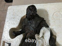 Sideshow Weta Lord Of The Rings Ugluk, Uruk-hai Captain Statue 1002/2000 Display