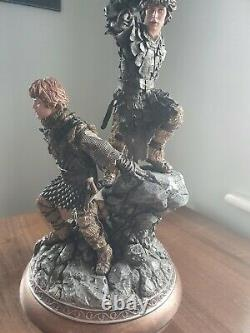 THE LORD OF THE RINGS FRODO AND SAM STATUE Sideshow Collectibles NEEDS REPAIR
