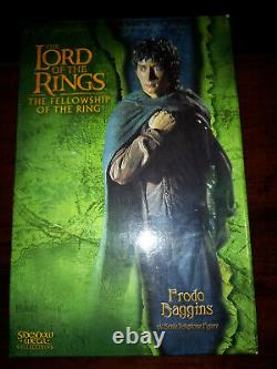 The Lord of the Rings Sideshow Weta Frodo Baggins 16 Polystone Statue
