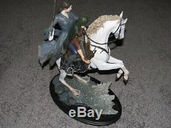 WETA Lord of the Rings Arwen and Frodo on Asfaloth NEW But Minor DAMAGE Statue