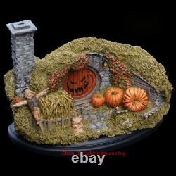 WETA The Lord Of The Rings Mountain Lane Shire 16 Halloween Ver. Statue INSTOCK