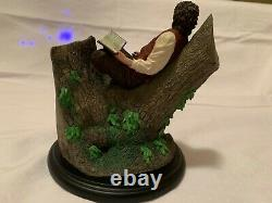 Weta Frodo Baggins In Tree Miniature Statue Lord of the Rings Collectible