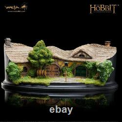 Weta Green Dragon Inn Display Statue Model The Lord of the Rings Collect Model