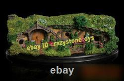 Weta Hobbit Hole #23 Hobbiton Scene Model The Lord of the Rings Display Statue